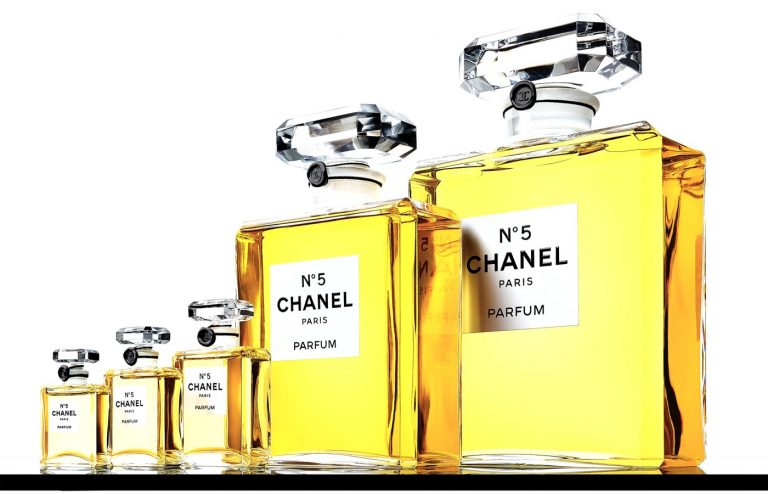 Chanel N°5 célèbre ses 100 ans