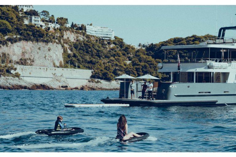 Esurf R la nouvelle génération de planche de surf électrique