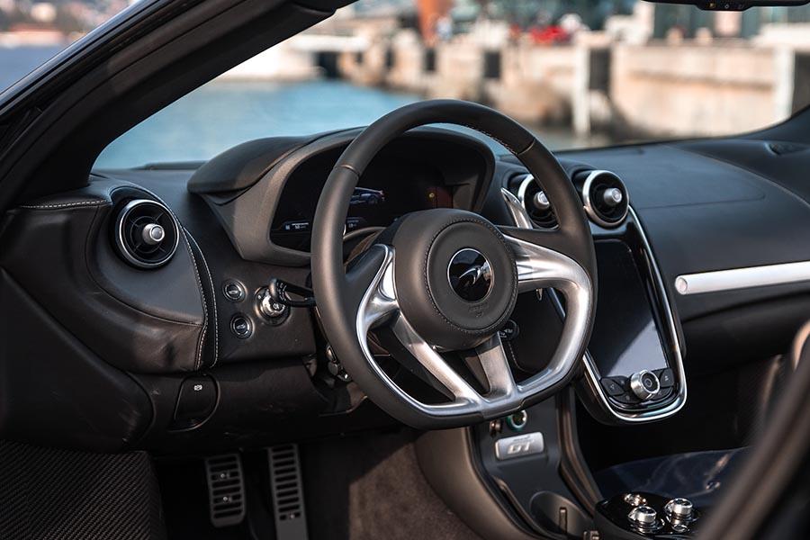 McLaren GT-4